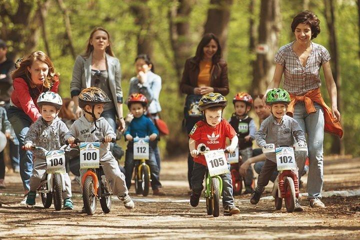 """Велоперегони для малюків """"Котигорошки"""", жовтень  2015"""