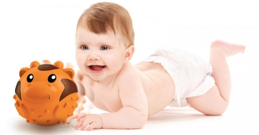 Необхідні іграшки для розвитку дитини від 0 місяців до року