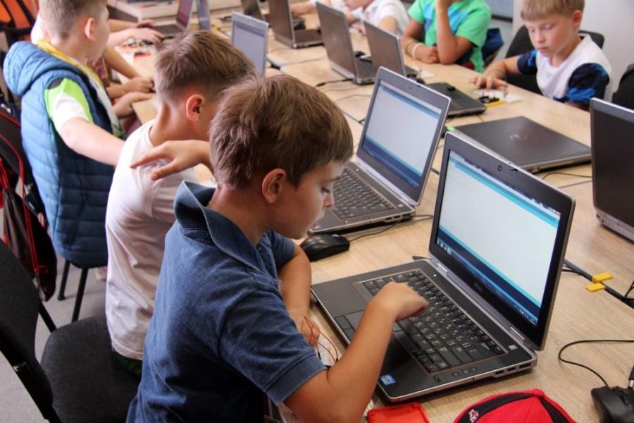 Комп'ютерна Академія ШАГ підготувала потужну ІТ-програму для дітей