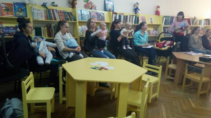 Лайфхаки для рівненських мам: дитячий лікар розповіла про догляд за малюками