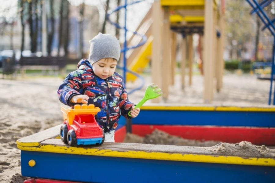 Що робити, якщо дитина вкололася шприцом?