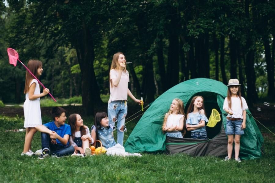 Топ-10 причин відправити дитину в літній табір
