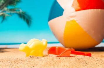 15 ідей, чим зайняти дитину на пляжі