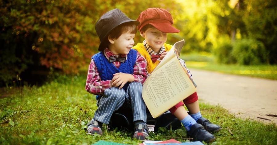 Прищеплюємо з дитинства: як навчити малюка любити книжки