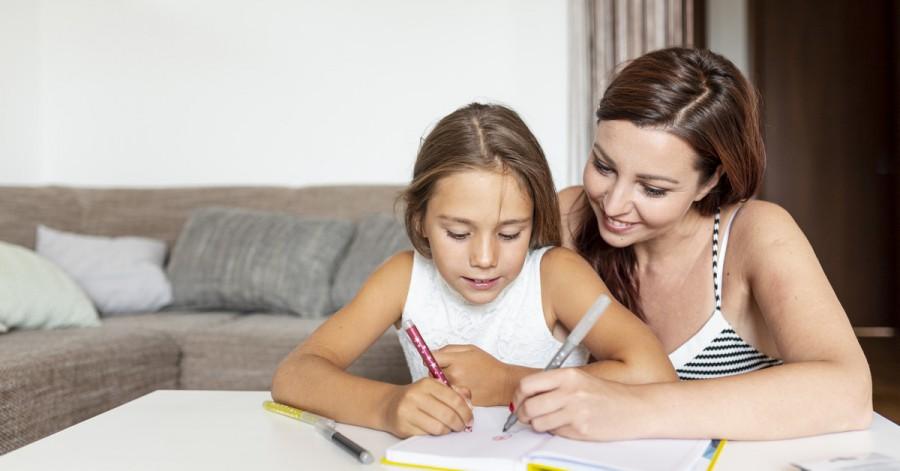 Вчити або не вчити: чи потрібно допомагати школярам робити домашнє завдання