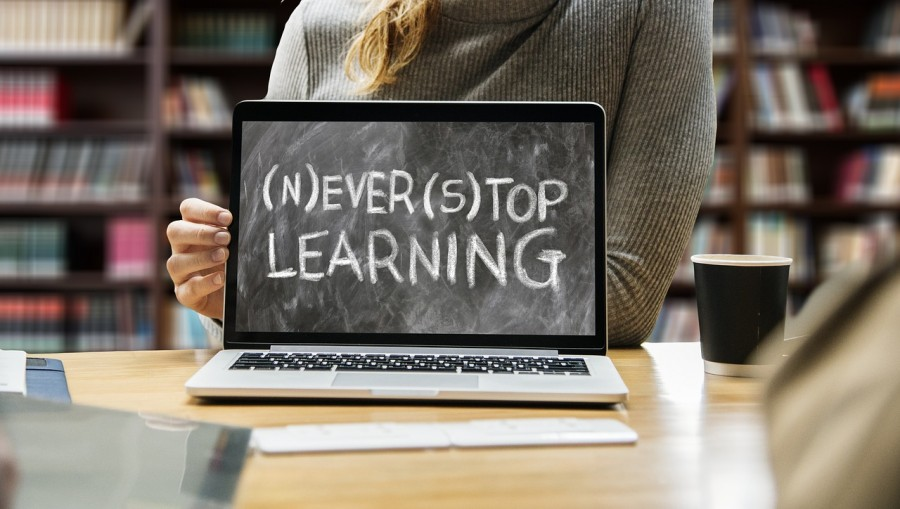 Дистанційне навчання школярів: онлайн уроки на телебаченні