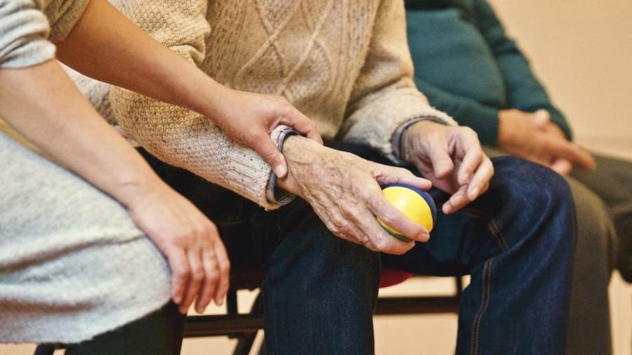Замовте продукти для Ба та Ді! Проєкт допомоги людям літнього віку