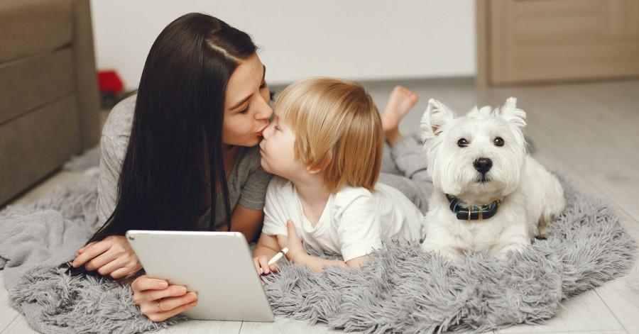 Зоряні поради: як проводять час з дітьми знамениті матусі