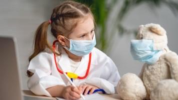 Як підібрати ліки та косметику для догляду за дітьми, не виходячи з дому: топ практичних порад