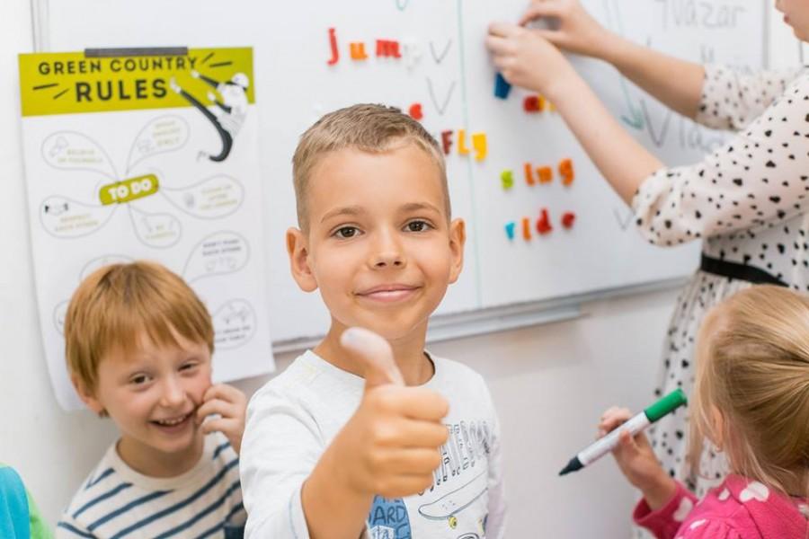 Як батьки можуть допомогти дитині вивчити англійську?