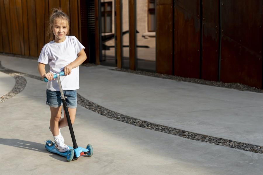 Активна весна: як вибрати самокат для дитини