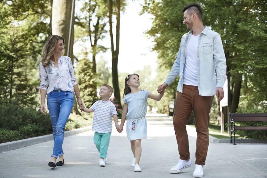 Розвиваємо уяву та інтелект: 50 запитань від мами для дитини