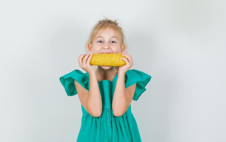 Кукурудза для дітей: коли можна давати