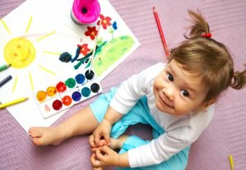 Привчаємо малюка до малювання: як розвинути творчі здібності дитини