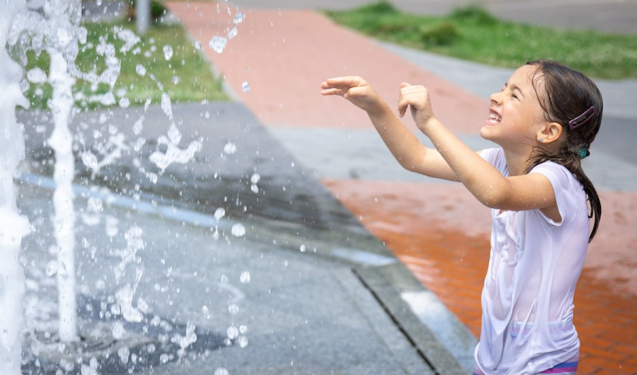 Чим небезпечні фонтани для дітей?