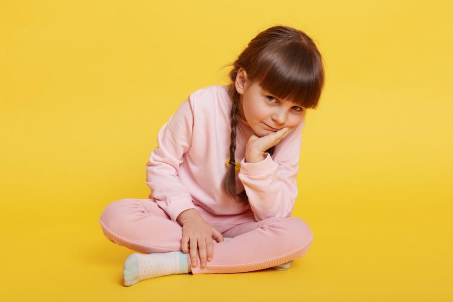 «Мені нудно»: 5 причин, чому дітям корисно іноді нудьгувати