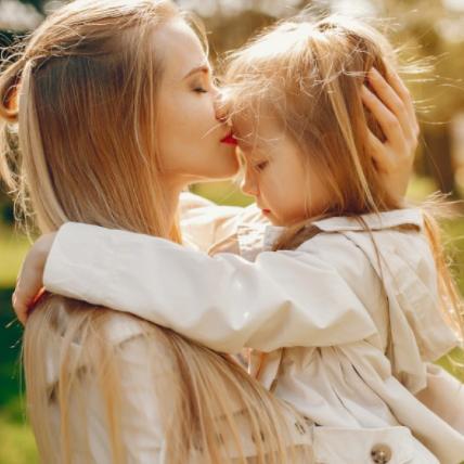 Безпека під час літнього відпочинку: 10 кроків, щоб не загубити дитину