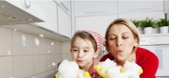 Як залучити дитину до домашніх справ та виховати помічника?