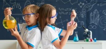 Топ ігор і сервісів, які зможуть зацікавити дитину наукою