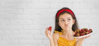 Вітамінізуємося: все, що потрібно знати про літні ягоди, їх користь і приховані небезпеки