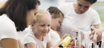 Веселимося з користю: топ експериментів для дітей з водою