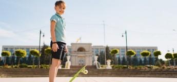Школа для батьків: як знайти баланс між безпекою дитини і самостійністю