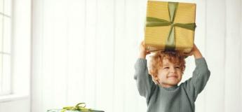Як вибрати іграшку для дитини: інструкція з вибору подарунку за віком