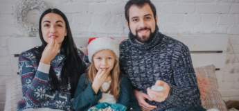 Атмосферні новорічні фільми, мультфільми та вистави, які потрібно подивитися з дітьми