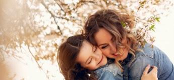 Святкова поезія: короткі дитячі вірші для мам та бабусь до 8 березня