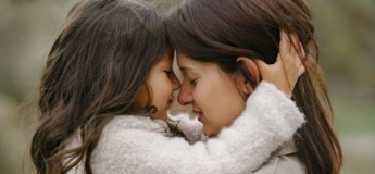 Від серця до серця: 14 важливих прохань дитини до мами