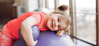 Фізичний розвиток дитини до 5 років: особливості та рекомендації