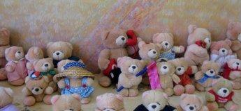 Виставка ляльок та іграшкових ведмедиків