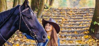 Навчання верхової їзди. Професійна фотосесія з конем