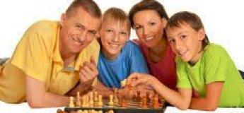 """Авторський сімейний турнір """"Мама, тато і я - шахова сім'я"""""""