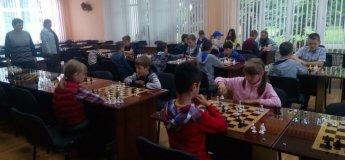 Заняття з шахів у ДЮСШ №2